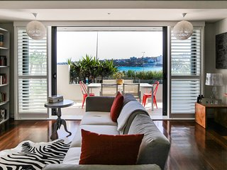 Exquisite Luxury Waterfront Bondi Beach Getaway