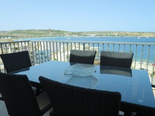 Seaview Penthouse 2 outside terraces Amazing Views  Wifi