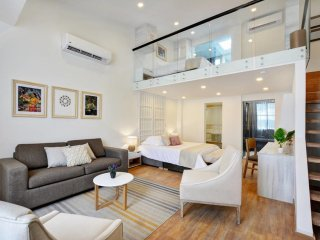 Trendy Apartment in Wonderful Location