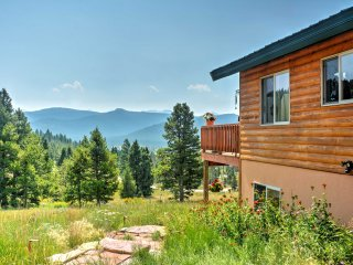 1BR Anaconda Apartment w/Mountain Views!