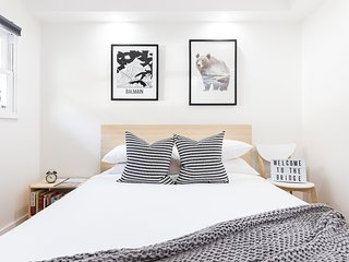 Stylish one-bedroom terrace in Balmain