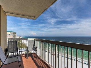Destin Condo w/Gulf Views, On-Site Resort Pool+Bar