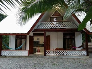 New/Modern Puerto Viejo beach house 2mins to beach
