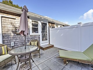 NEW! Quaint Dennis Port Studio - Walk to Beach!