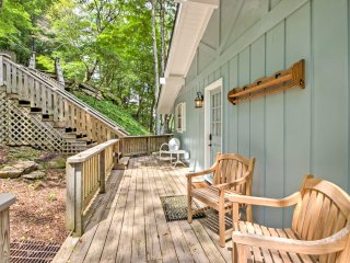 NEW! 3BR Beech Mountain House w/ Wraparound Deck!