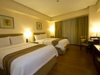 Crown Regency Hotel room