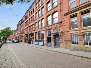 Two Bed, City Centre Apartments, Canal Street - Sleeps 4 - Apt 1