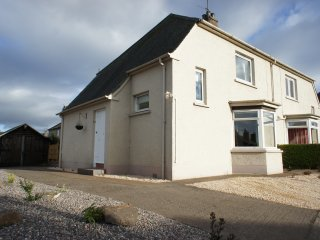 Sandyhill Cottage, St. Andrews, within walking distance of the town centre