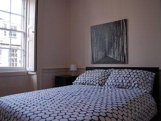 Double Bedroom. V.Central. Quiet. Cosy. Comfortable