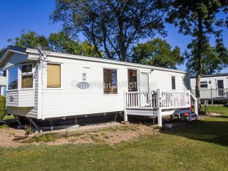 6 berth caravan at Carlton Meres Holiday Park, in Saxmundham. REF 60045M
