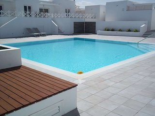 2 bedroom Apartment with Pool and WiFi - 5691597