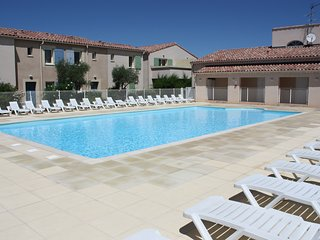 LS1-335 CASCADO Beautiful rental with pool near to St Remy, 4 sleeps.