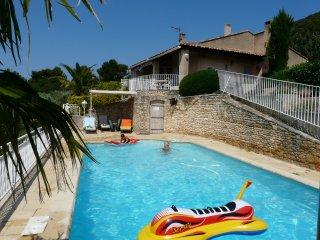 LS2-153 MAGNIFI, Magnifique Villa de Vacances avec Piscine Privee, Luberon