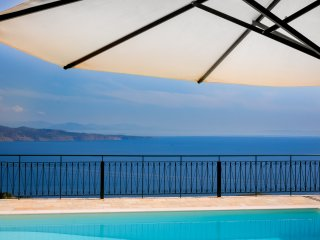 Spectacular views Private Villa with Pool above Kalami Corfu