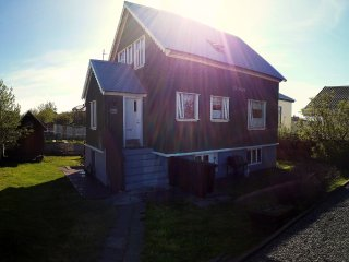 Melur Guesthouse is your cosy accommodation in Akranes
