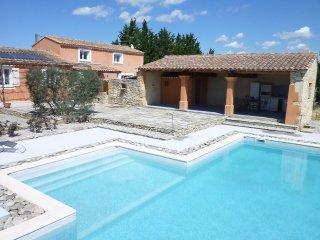 LS2-161 GENTUN, Location de Vacances avec Piscine Privée, Luberon, Provence