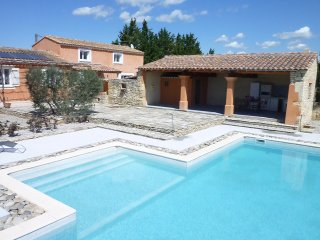LS2-161 GENTUN, Location de Vacances avec Piscine Privee, Luberon, Provence