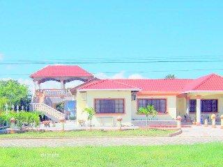 Casa Villa  Hermosa  #C11 muy cerca de la playa y un restaurantes servicio de se
