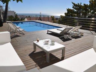 Miramar Sitges, casa de 300m2 con piscina privada y fantasticas vistas a Sitges!