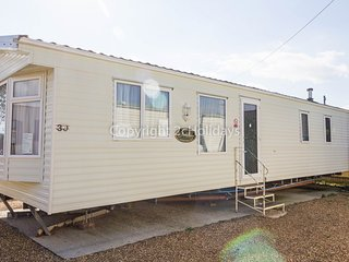 8 Berth caravan. At the Lees Holiday park. In Hunstanton *Pets Allowed REF 13003