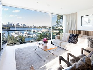 Designer Balmain Waterfront with Bridge views