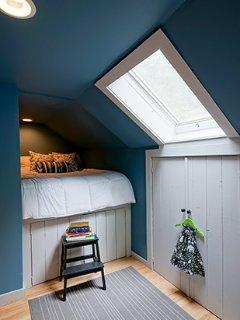Full loft bed detail