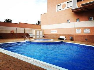 Luminoso, cómodo con piscina y solarium PP