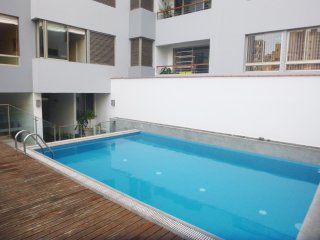 LIMA MIRAFLORES 2BED JACUZZI POOL