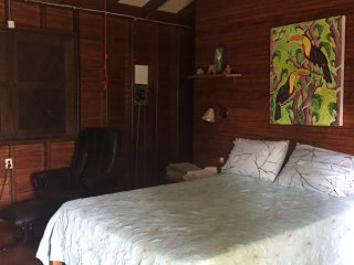 BEACH CABIN  AIR CONDITIONER  AND POOL SLEEPS 3