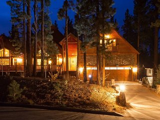 Huge Log Home Near Slopes Sleeps 16