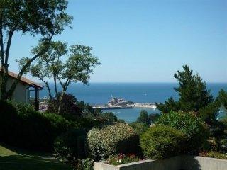 Mona Baïta - résidence  avec piscine et vue mer