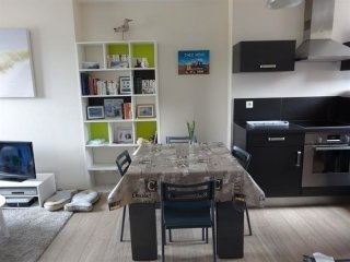 APPARTEMENT CENTRE VILLE DE TYPE F2 SITUE AU 3 ETAGE