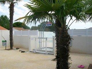 Pavillon T2 mezzanine, dans residence de vacances avec piscine