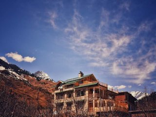 Manali Mountain Home Room 1- Your Peaceful Abode In The Hills