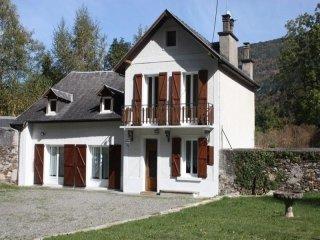 A LUCHON    Maison Peyriguer