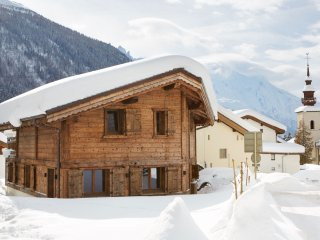 Marmotte Mountain Petit Zenith - great value 4 bed chalet in heart of Argentiere