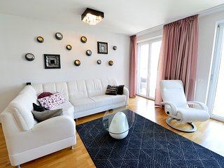 Exquisites Apartment with Balcony + free parking