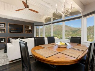 Ski In/Ski Out, Walk To Town, Great Views! Contemporary Aspen Mountain Retreat,