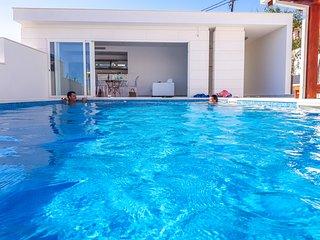 Villa GG: The white villa Exclusive holiday for families & friends Split Croatia
