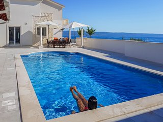 Villa GG: The white villa Exclusive holiday for families & friends Split Croatia