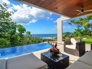 Fantastic Home in El Tesoro w/ Infinity Pool & Ocean Views