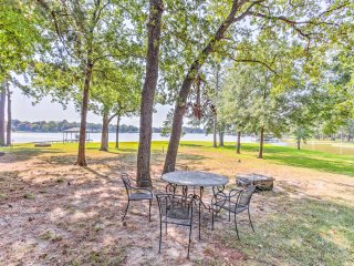 Lakefront Gun Barrel City Cabin w/Boat Slip & Deck