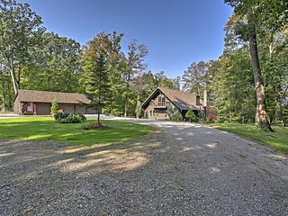 NEW! Updated 3BR Amherst Cabin on 7.5 Wooded Acres