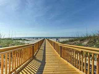 NEW! 1BR Hilton Head Island Condo - Walk to Beach!