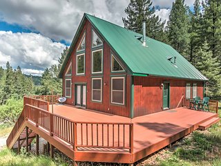 NEW! Rustic 2BR Cloudcroft Cabin w/Wraparound Deck