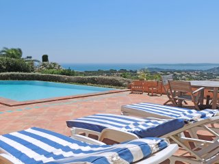 Villa 10 personnes - Piscine chauffée à débordement - Vue mer - Wifi - St Maxime