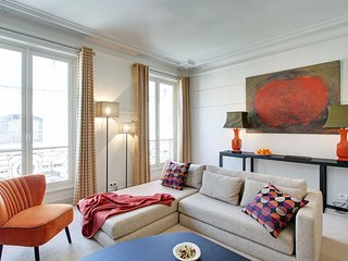 BABYLONE3 - Luxurious 3 Bedroom in St Germain Des Pres - Sleeps 6