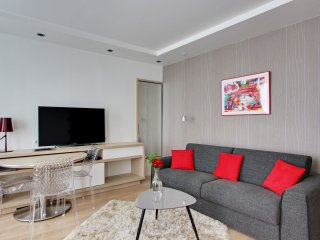 OPERA LOUVRE -Luxury Paris Central- Near Louvre, Palais Royal, Orsay sleeps 4