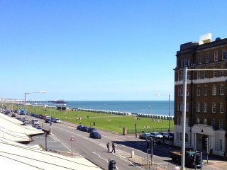 Beach View - Direct Sea View 3 bedroom Apartment