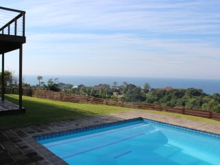 Self catering 4 bedroom, 3 bathroom, 8 sleeper holiday home 400m from the beach